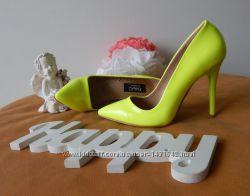 Лимонные туфли лодочки на шпильке. Распродажа