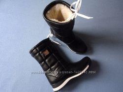 Черные кожаные сапоги дутики