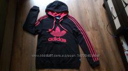 Фирменный пусер Adidas  Размер М.