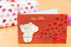 Деревянная открытка валентинка LOVE Мишка стоитСердца - махагон