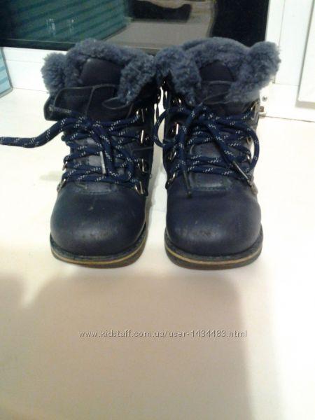 Ботиночки зимние кожаные  26р и 24р натуральный мех