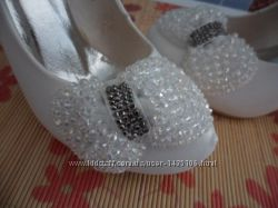 Продам весільні туфлі. Натуральна шкіра