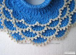 Ажурная синяя манишка ручной вязки, отличная замена шарфу