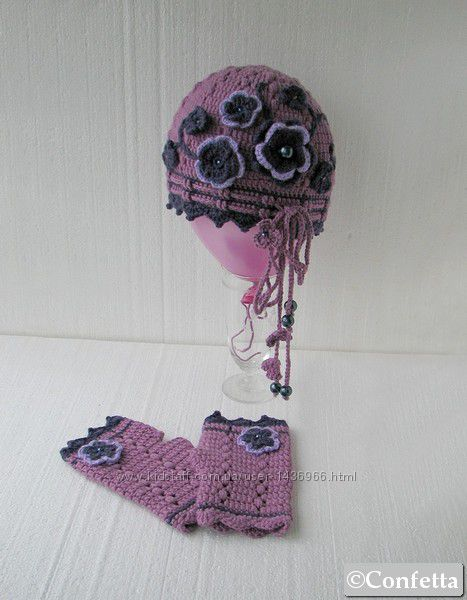 зимняя шапочка с цветами или комплект