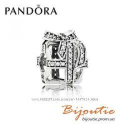 Шарм PANDORA подарок 791766CZ