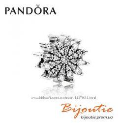 PANDORA шарм ледяной кристалл 791764CZ