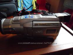 Продам видео камеру jvc