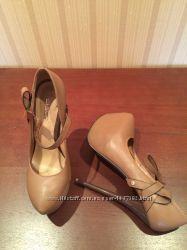 Красивые туфли на шпильке. Стильные. Цвета nude