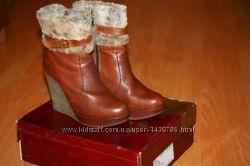 Зимние, кожаные сапожки на танкетке, бренда Badura