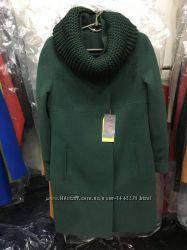 Пальто с вязанным хомутом