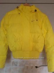 Пуховик Nike желтый XS
