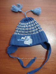 Синяя шапочка для малыша