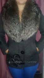 Стильное пальто с натуральным мехом писец р. М. Очень эффектное и теплое
