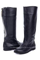 Кожаные женские сапоги цвет черный