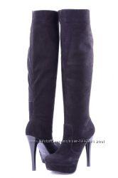 Кожаные женские сапоги цвет замша черная