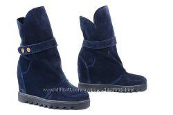 Кожаные женские ботинки цвет замш синий