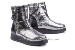Кожаные женские ботинки цвет серебро