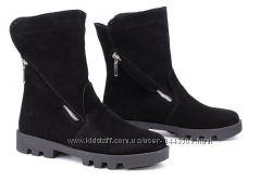 Кожаные женские ботинки цвет замш черный