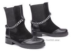 Кожаные женские ботинки цвет черный замш