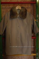 Молодежное кашемировое пальто, мех лиса Уступлю
