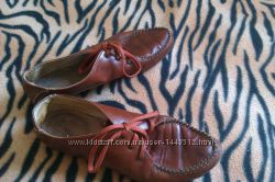 рыжие туфли кожа