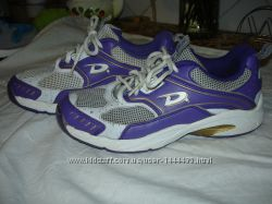 Продаю кроссовки Dita