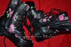 Демисезонные ботинки для девочки Benetton