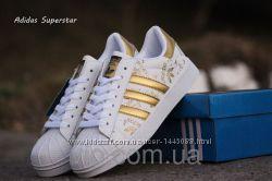 Adidas superstar кроссовки белые золотистые