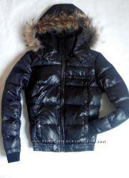 Черная куртка пуховик colins р. SM