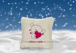 Декоративная подушка с вышивкой Люблю тебя