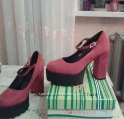 Туфлі жіночі червоні на каблуку розміри 36-39