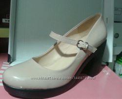 Туфлі жіночі лакові беж розмір 36-40.
