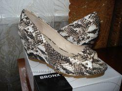 Продам женские туфли на танкетке BRONX 41 р.
