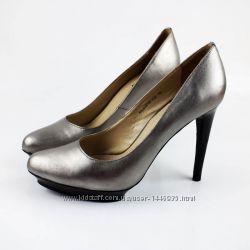 Красивые праздничне туфли. Размер 39-39, 5