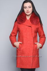 Женское Зимнее пальто из букле с натуральным мехом