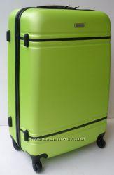 Качественные пластиковые четырехколесные чемоданы, Италия. Много цветов