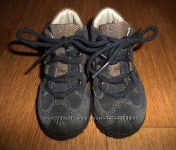 Ботинки замшевые демисезонные для мальчика.