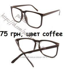 цвета разные квадратные очки для имиджа, имиджевые очки