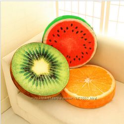 Подушка 3D в виде сочных фруктов