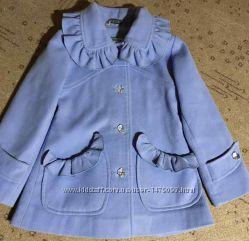 Детское пальто на 4-5 лет