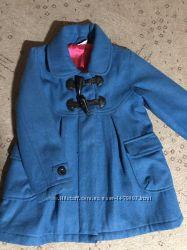 Продам пальто на 4-5 лет