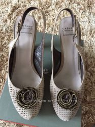 Карнаби туфлі туфли босоножки Carnaby Chester