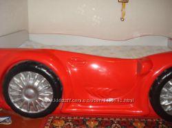 Кровать в виде машинки Leo Gerbor
