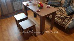 Стол обеденный, кухонный, гостевой  2 табуретки. Комплект