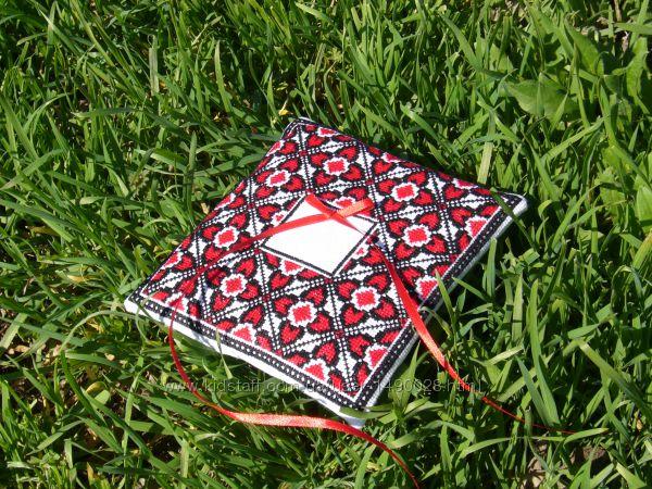 Подушка для обручок Квіти кохання