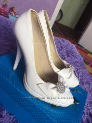 Удобные свадебные туфельки 36 р-р