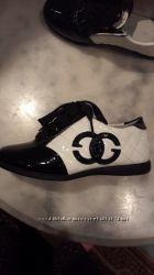 Туфли для девочки производство Турция лаковые новые очень красивые