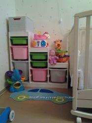 Удобный стеллаж шкаф с розовыми и белыми контейнерами. Новый ИКЕА
