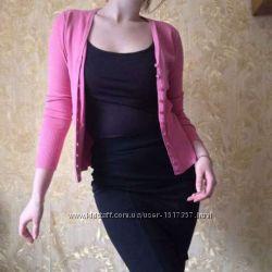 Розовая кофта на пуговицах