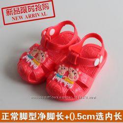 Детские сандалии В наличии Розовые 16см, 14, 5см